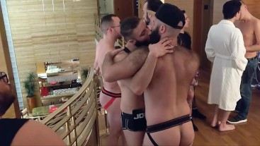 Kissing and Oral with Gage Lennox at Huge Sex Party