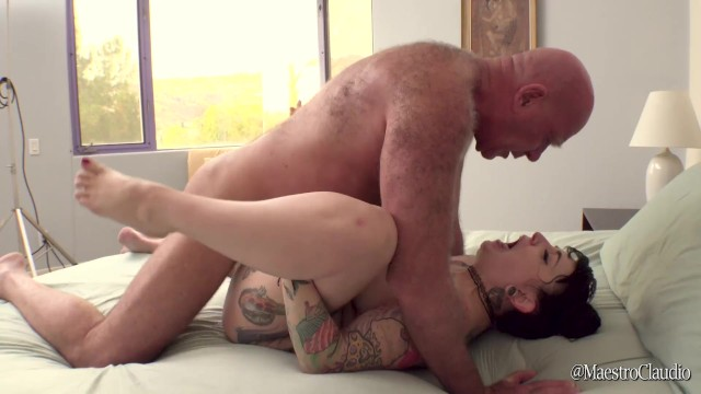 Rodox pee galleries Peeing and fucking thick tattooed draven star