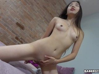 Solo Asian darling, Lina Lee is masturbating, in 4K