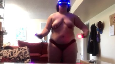 Chubby Girl Plays Beat Saber (Hard 2)