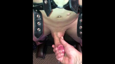 Hung restrained and edged and edged the massive load.