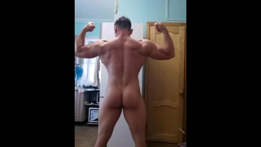Bodybuilder flex full naked