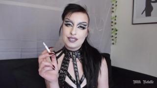 femdom บุหรี่ ควัน นม rebelle