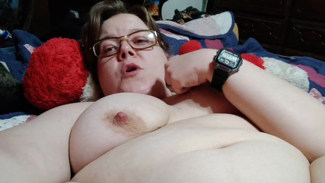 My wet hot pussy Horny milf edging and fingering her wet hot pussy.