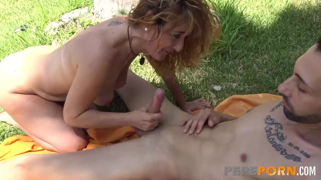Pepo porn Amateur milf enjoys a great fuck with a big dicked rookie