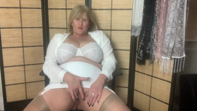 Granny girdle porn Hot mature mom in girdle and stockings fingers her wet pussy