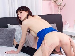 VRB TRANS Crazy Wedding Night Fantasy With Busty Bailey Paris VR Porn