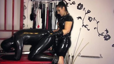 Rubber sex toy pounding
