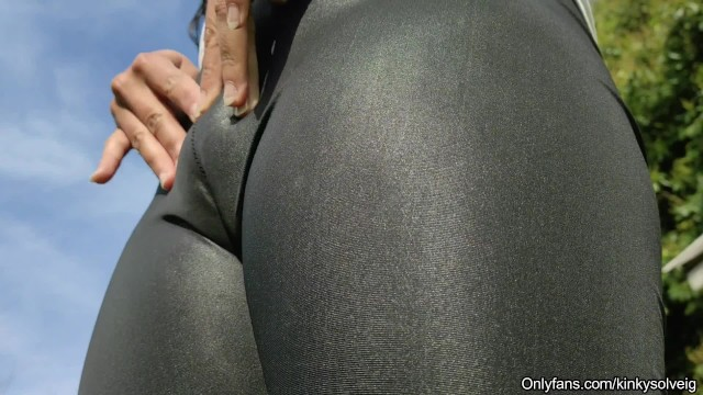 Moby dick loomings Trailer: look at my pussy in my super tight leggings - sexy camel toe
