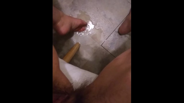 Amateur pubic Pees on kitchen floor squirt piss hairy pussy clit clitoris pawg