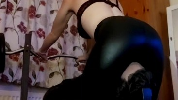 Facesitting in latex leggings,sexy femdom smothering babe!!
