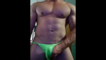 Horny bulge muscle hunk