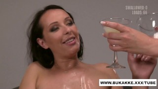 Carolina Vogue Enjoys Cum Cocktail Blow Bang - bukkake.xxx