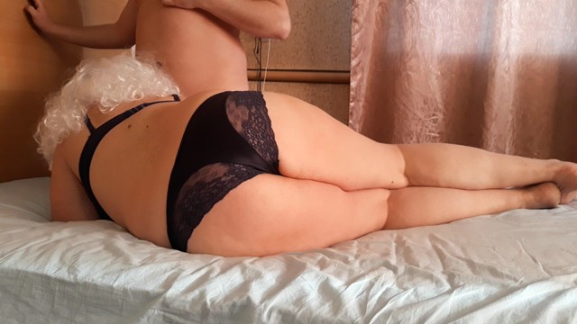 Emma whatson nude Russian mature milf seduces a young guy. creampie