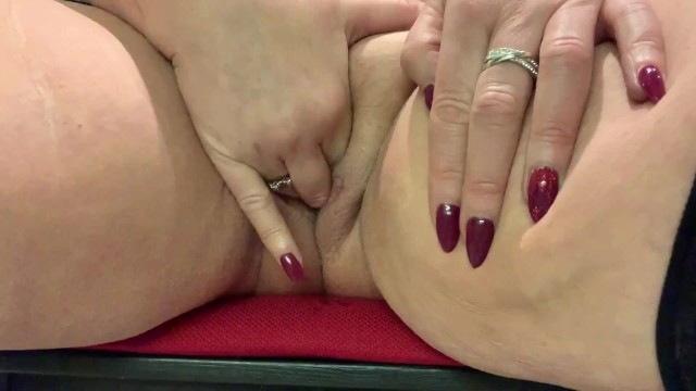 British mature pussy I want you to stick your tongue deep in my hot mature pussy