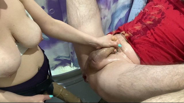Busty matire strapon sex Pegging huge strapon in action большой страпон в работе