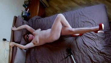 Legs up syntribation amateur orgasm