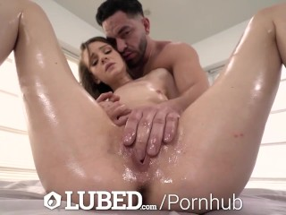 LUBED Slippery Massage Fuck & Fountain Facial With Bubbly Brunette