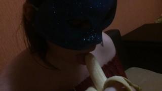 Банан собирается кончить КРАСИВЫЙ минет [Home Video]