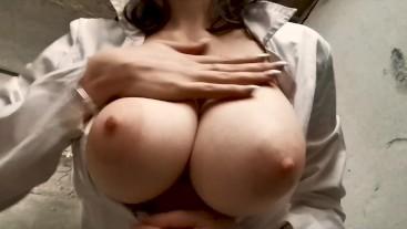 Cute Teen with Big Natural Tits - SiskiPipiski