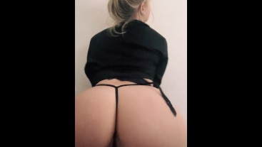 Big ass Teen fucks her tight cute asshole with toy