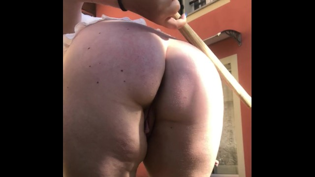 Hairy muscle flexing exhibitionist Universitary exhibizionist beats herself for her daddy
