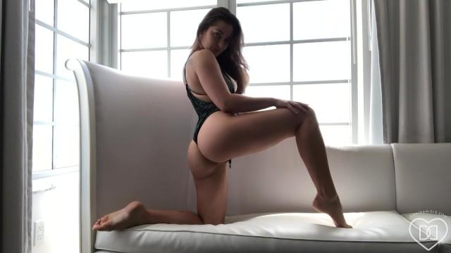 Bikini bathing suit models Dani daniels - strip tease bathing suit solo