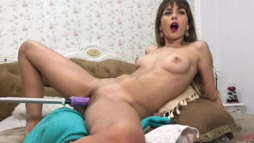fuck machine make me scream and have a explozive orgasm