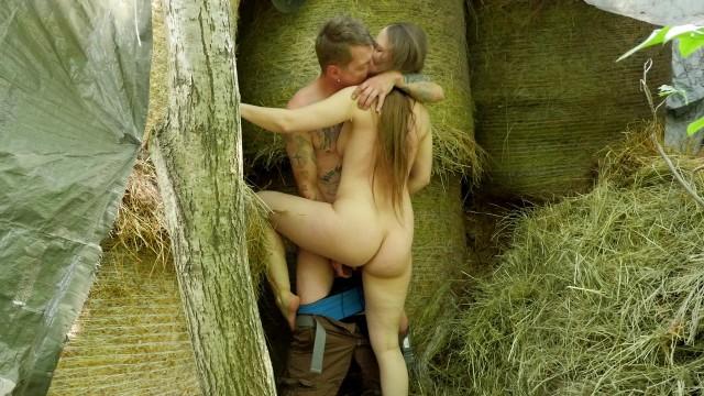 Brandie moses sex vidoe Bauernmädchen mit haariger möse im heu gefickt - outdoor couple sex
