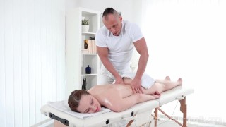 I Fucked Her Finally – Hot babe gets her sex satisfaction in massage salon