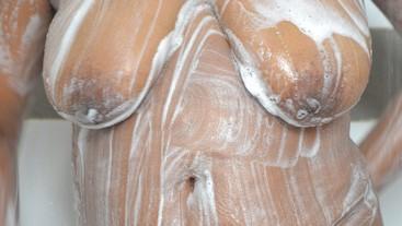 Sri Lankan sexy bath wet shirt   ඔෆිස් ඉදන් ඇවිත් ශර්ට් එක පිටින් නාන ශානි