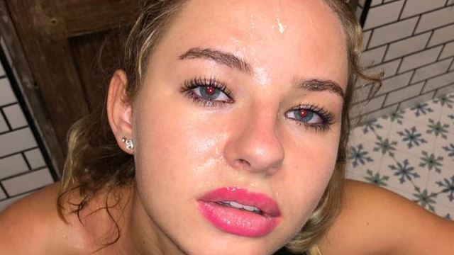 Cumshot facial lipstick mpgs Hot teen with red lipstick gets her face covered in cum