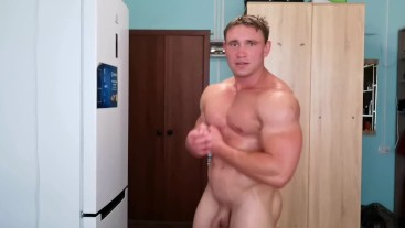 Naked muscle boy training and sweating so sexy