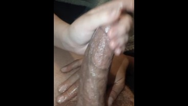 Girl gives handjob and showed me her toes!