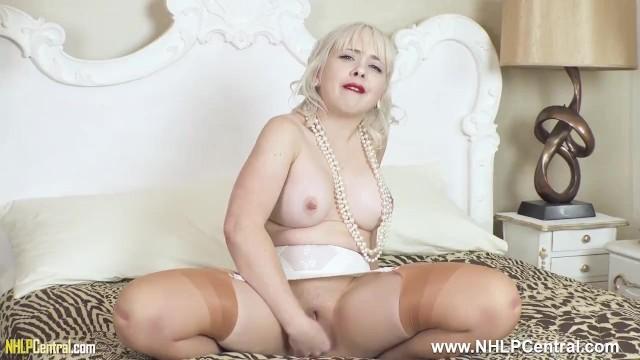 Vintage girdle bondage Big tits blonde cherry english fingering pussy in retro nylons and girdle