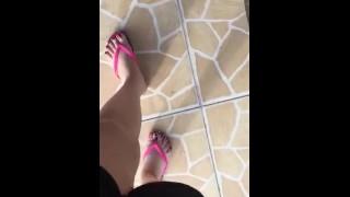 Pelicula porno - Tici_Feet Zapatillas Havaianas Puntas Rojas Brincando Com Como