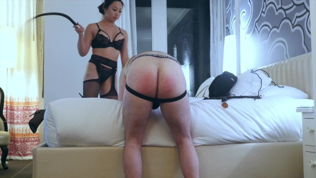 Sexy tit vids Sexy asian dominatrix trucici whips the asshole of her slave in only fans custom vid