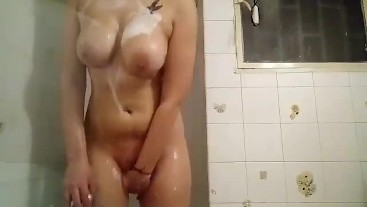 Morning mastrubation in shower  with water and fingering until I cum
