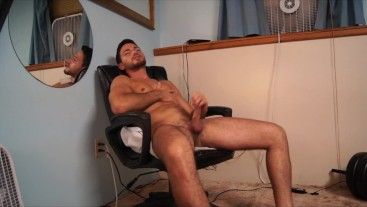 YOUNG HOT HUNK CUMMING ON HIMSELF!! BIG DICK CUMSHOT! TWITCH STREAMER EXPOSED!!