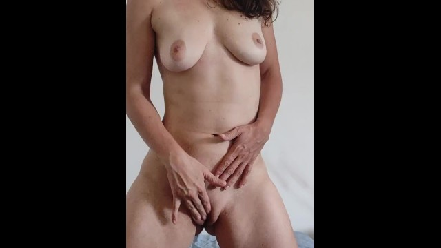Prostrate massage cum Joi in french, with prostate play and countdown...cum for me