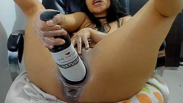 Porno cyper Teen horny gets monster 50 cm bottle homemade porn