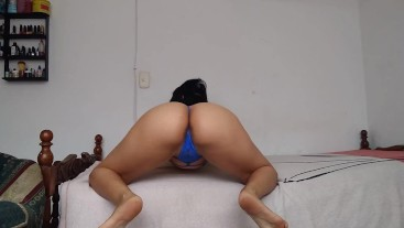 nasty young hotwife doing a sexy twerking of her big butt to seduce singles on web