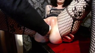 Horny milf slut extreme fisting and squriting till she screams!watch her destroyed cunt!