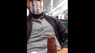 Chaquetita en el metro / Héctor Ortega