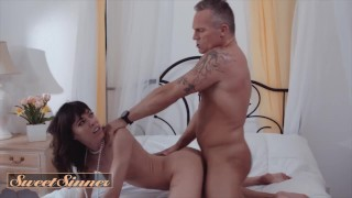 Sweet Sinner – Hot Chick Vera King Loves Hardcore