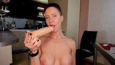 hot suck big dildo (full)