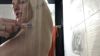 最佳新色情片 - Big Boobs Swxy摩洛伊斯兰解放阵线剃须刀腋下在淋浴一部分
