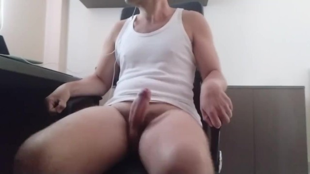 Watch free online porn no logins Aroused while working had to cum, but hands free