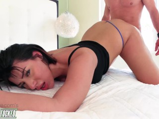 Picked Up & Fucked AGAIN! Valentina Jewels Returns with more Booty than ever!