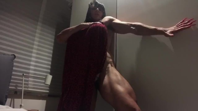 Black muscled woman sex Muscle woman with giant dildo strapon dildo 40 cm